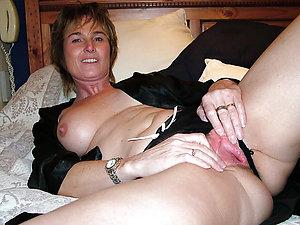 Amateur pics of sexy women in panties