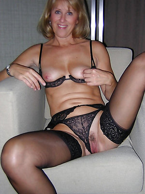 Private photo of sexy old women panties