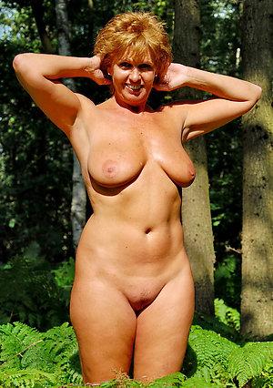 Naughty mature bold pussy pics