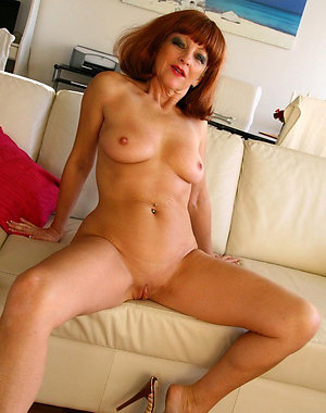 Hotties older women with shaved pussy