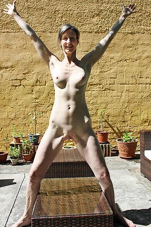 Pretty nude skinny mature women pics