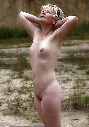 Xxx skinny mature amateur pics