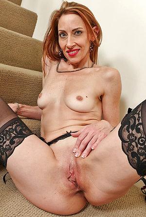 Amateur pics of small tits mature women