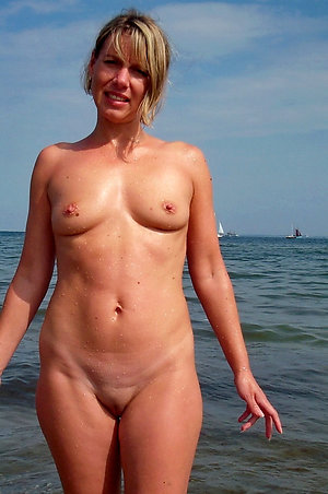 Naked small tit mature wife photos