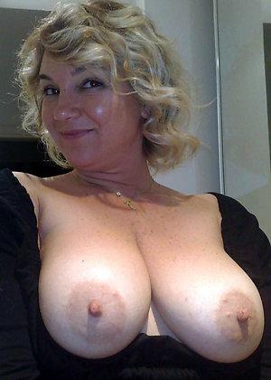 Favorite sexy mature tit pics