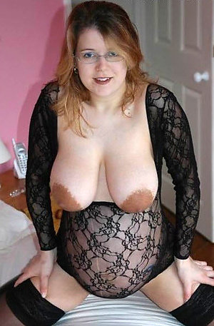Pretty women with big tits pics