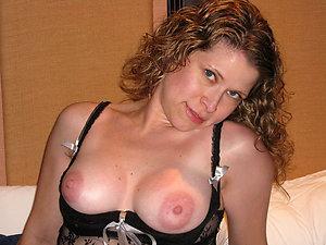 Naked older amateur wife tits