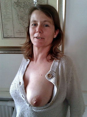 Pretty old mature tits pictures