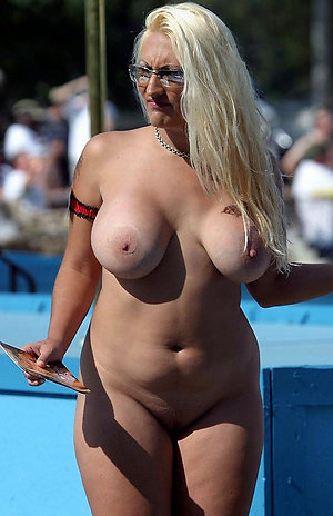 Free porn pics of mature with huge tits