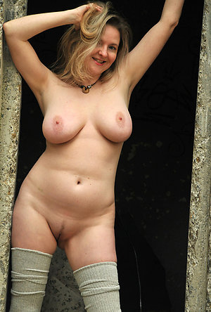 Pretty big natural mature tits pictures