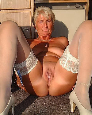 Nude mature women in stocking stripped