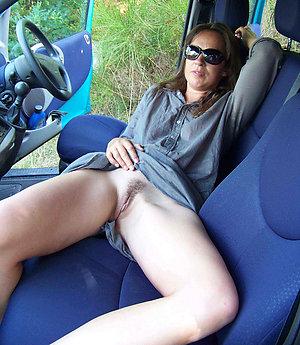 Pretty mature women upskirts pics