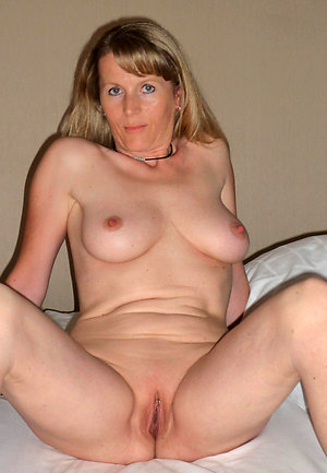 Favorite amature mature wife stripped