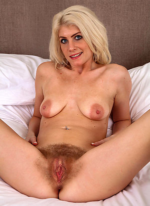 Best mature chubby wife pics