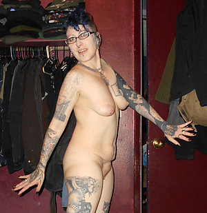 Amateur pics of sexy women with tattoos