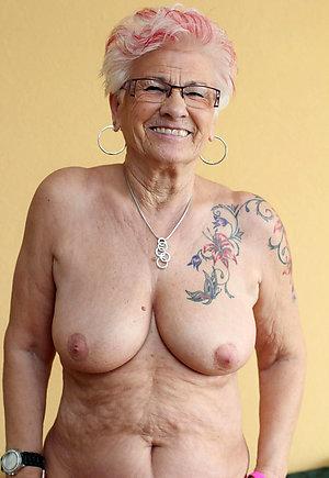 Sexy tattoos of nude women pics