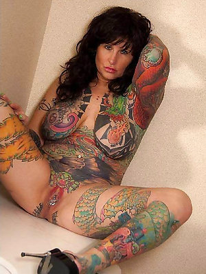 Cool nude women with tattoos pics