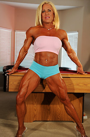Naked mature muscle sexy photos