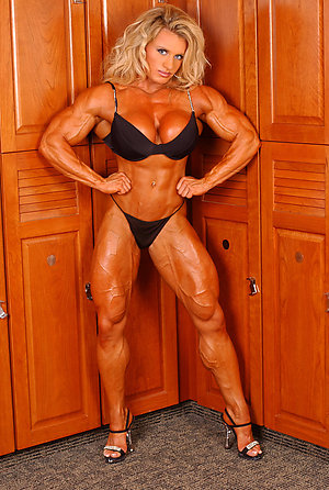 Free mature muscle porn