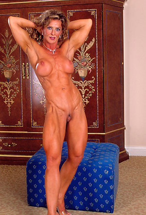 Beauties sexy mature muscle woman