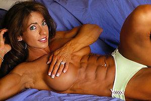 Slutty mature muscle sex photos