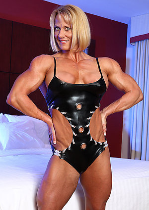 Gorgeous hot mature muscle pics