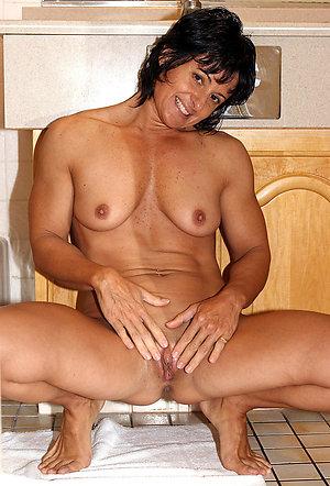 Xxx mature muscles porn pics