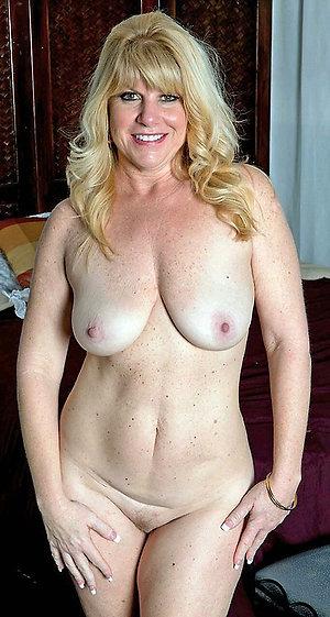 Inexperienced mature mom nude amateur pics