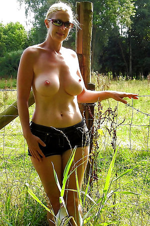 Sweet old women amateur nude pictures