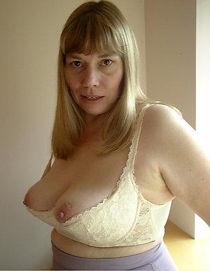 Slutty nude amateur wives xxx