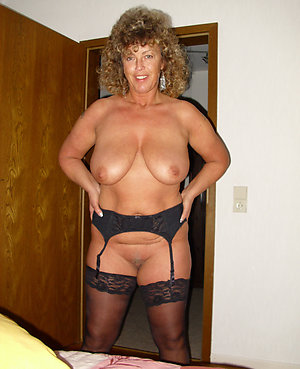 Sweet milf mom nude pictures