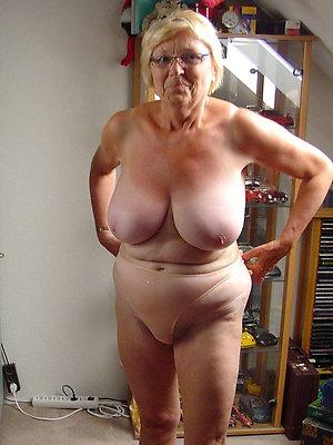 Nude big booty granny amateur pics