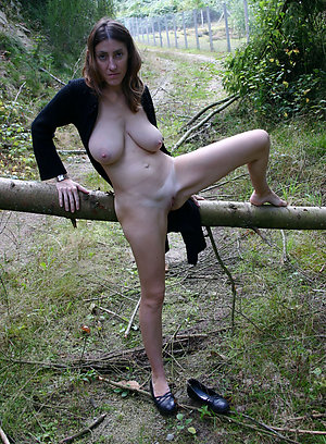 Inexperienced nude women in the outdoors