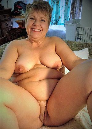 Free mature nude tits pics