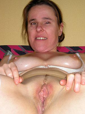 Pretty mature slut wifes pictures