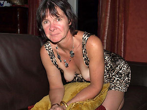 Real hot slut mature become man pics