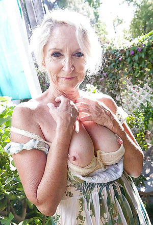 Busty natural mature free galleries