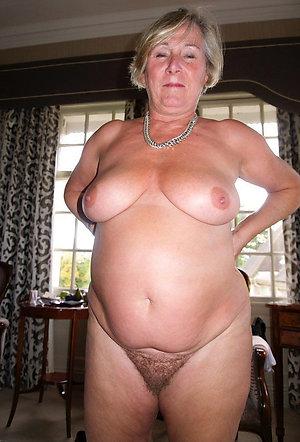 Slutty mature huge asses pics