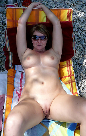 Hot nude old women on beaches pics