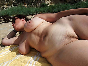 Amazing amateur mature beach pics