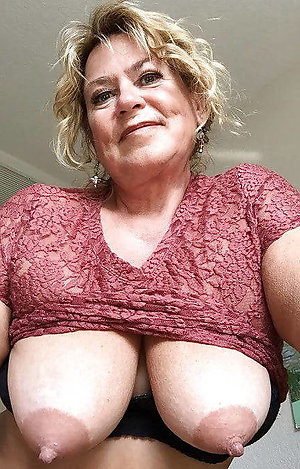 Pretty mature big tits free gallery