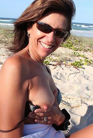 Amateur mature on shore pics