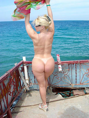 Amateur pics of mature topless beach
