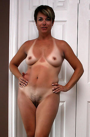 Dabbler pics of mature housewife pussy