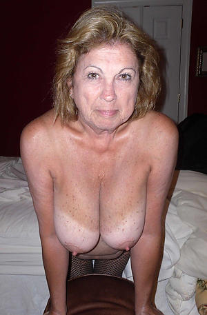 Hairy mature housewife pussy