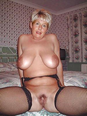 Free horny mature housewife pics