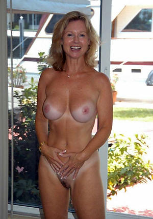 Free mature sexy ladies gallery