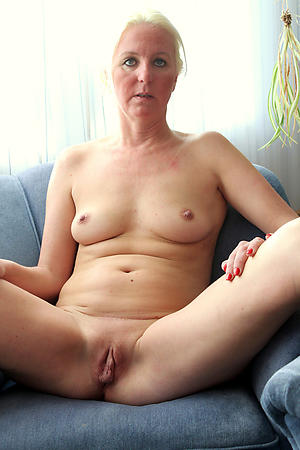 Naughty mature ladys porn images