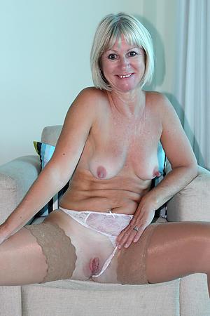 Amateur matured ladys porn photos