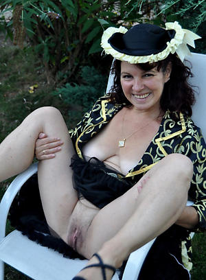 Easy mature ladys porn pictures